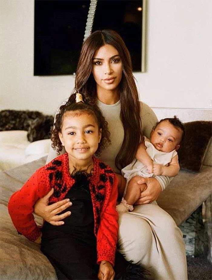 Kim Kardashian: 'Đôi khi cảm thấy bấn loạn vì 3 đứa con cùng khóc' -2