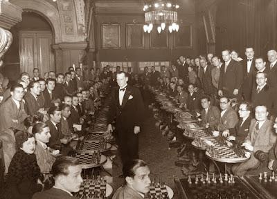 Simultáneas de ajedrez de Alekhine en el Ateneu Barcelones en 1935
