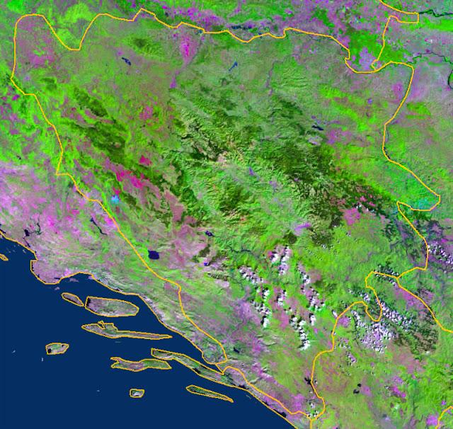 Gambar Peta wilayah negara Bosnia dan Herzegovina tampak dari satelit