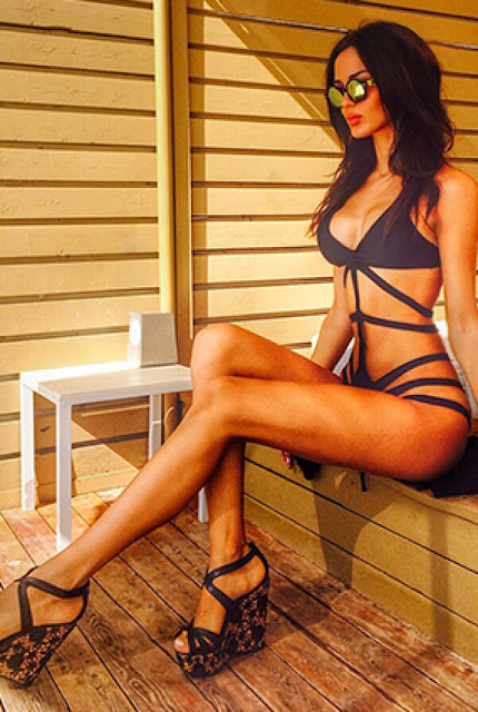 Hot girls Cassandre Davis sexy Fitness model 7