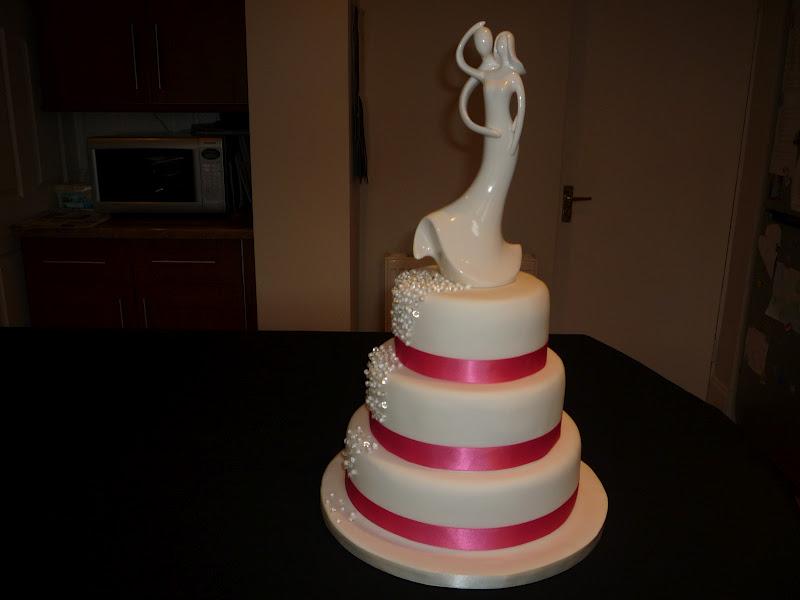 Falling Diamond And Pearl Wedding Cake