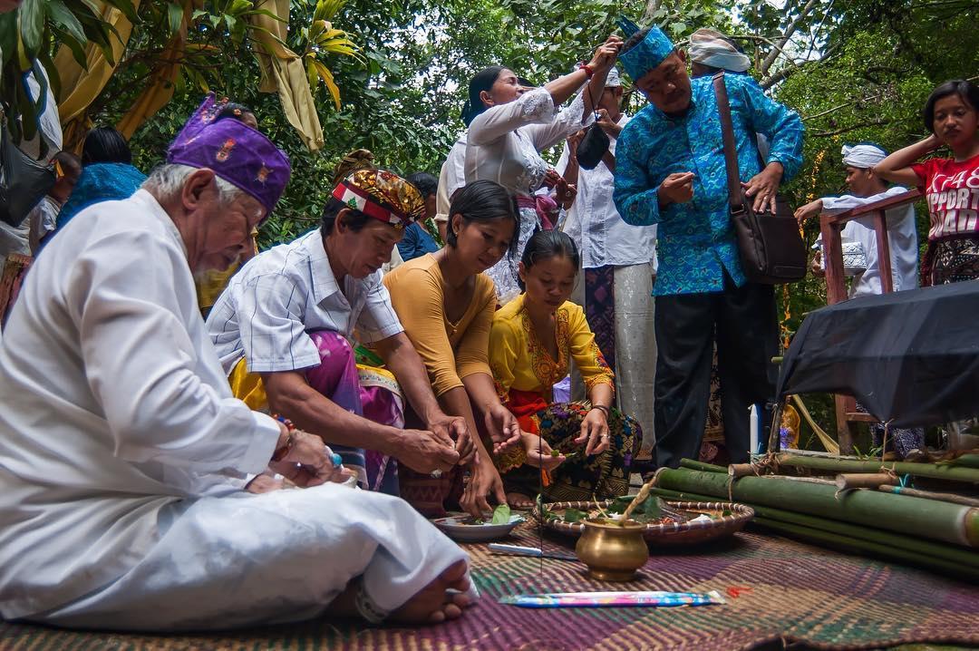 """Mengenal Ritual """"Nyadiri"""" Suku Dayak Ngaju"""