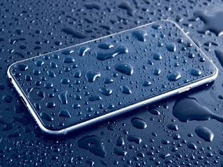 मोबाइल पानी में गिर जाये तो क्या करे ,फोन मे पानी चला गया, अपनाईये यह टिप्स,फोन पानी में गिर जाये तो कैसे ठीक करे