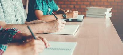 Ejercicios de gramática solucionados para prepararse a los exámenes de bachillerato 2020.
