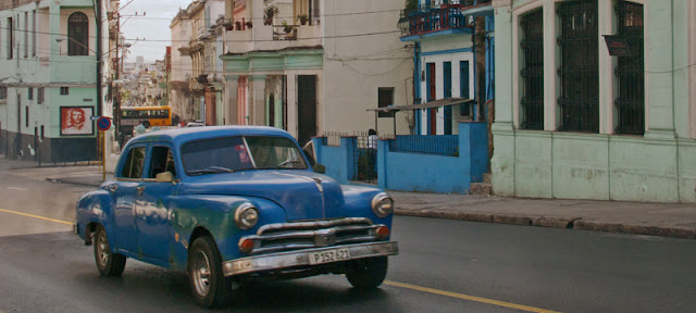Une vieille voiture américaine à La Havane