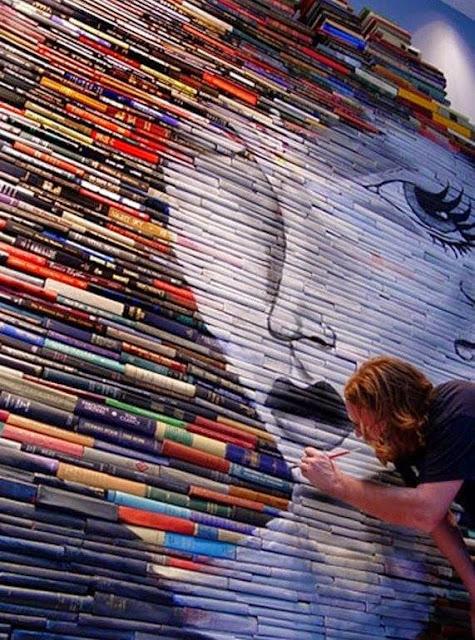 Obras de arte que usan libros como lienzos