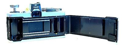 Olympus OM-1n, Film box