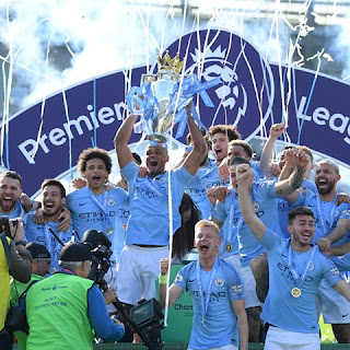 Manchester City Celebrating England Premier League Trophy 2019