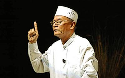 """Puisi: Percakapan di Satu Desa (Karya D. Zawawi Imron)"""