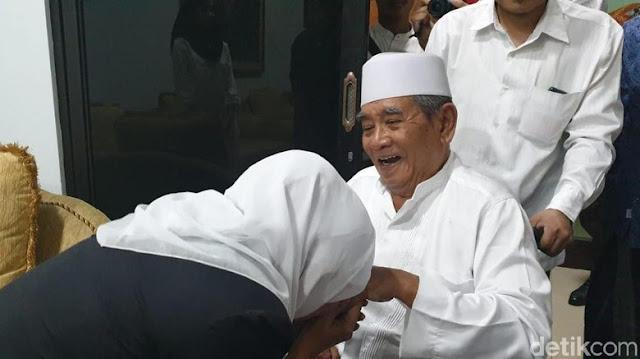 Sowan PWNU, Khofifah Harap Kiai Iringi Langkahnya Pimpin Jatim