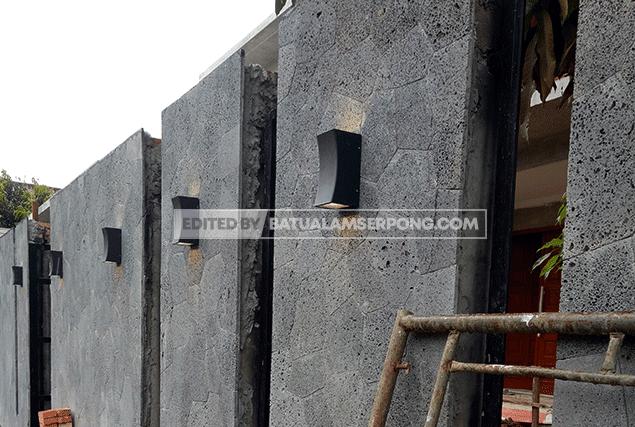 dinding batu alam acak hitam