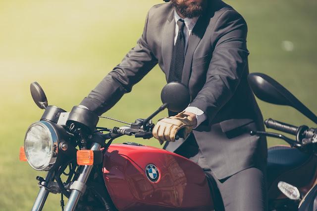 5 Jenis Pakaian yang Wajib bagi Pria Jaman Now