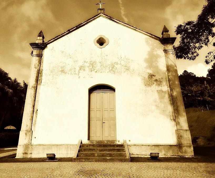 Capela de Santo Amaro ou Igreja de Nossa Senhora do Bom Sucesso, Balneário Camboriú.
