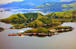 danau sentani tempat wisata terkenal di jayapura