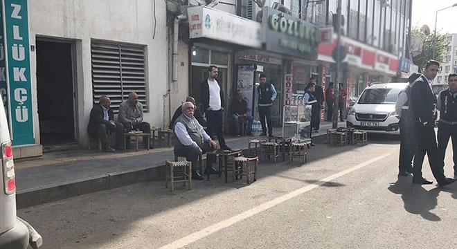 Diyarbakır Yenişehir Belediyesinden kaldırımı işgal eden esnafa cezai işlem uyarısı
