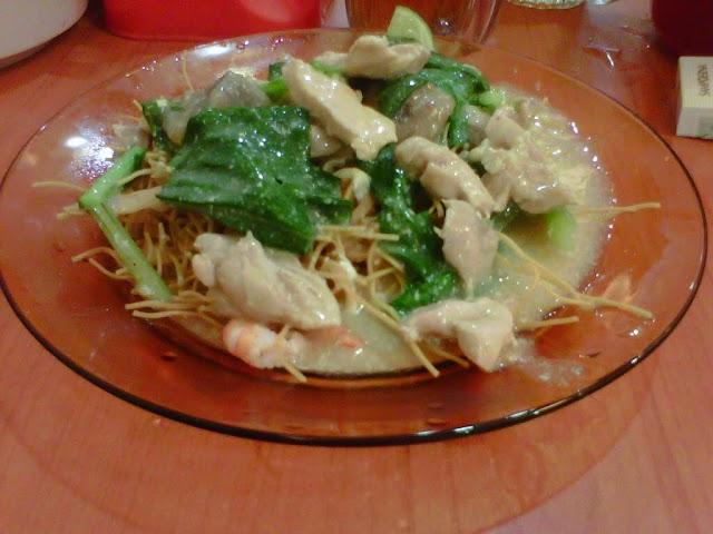 Makanan khas makassar - Mie Titi