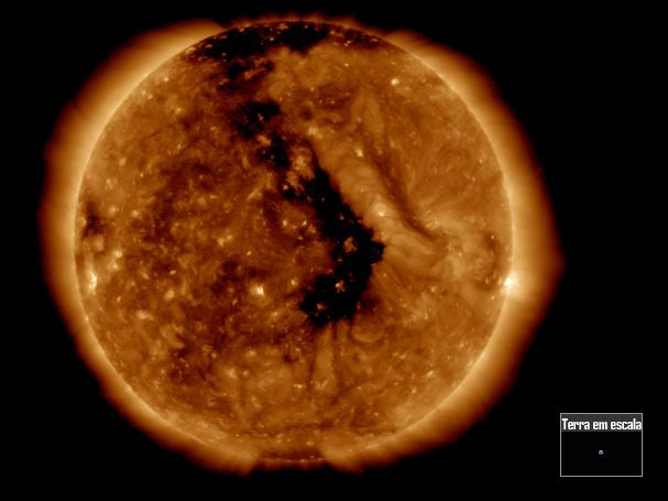 buraco coronal de frente com a Terra em 05 de outubro de 2018