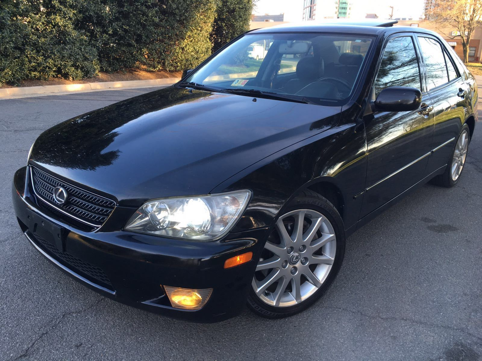 daily turismo auction watch 2005 lexus is300. Black Bedroom Furniture Sets. Home Design Ideas
