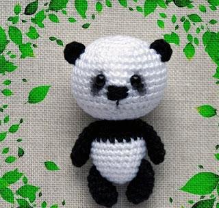 Pandabär Amigurumi Häkelanleitung Panda | 304x320