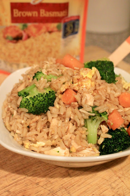 Chicken and Veggie Fried Rice is a delicious kid-friendly dinner! It is healthier than take-out and homemade always tastes best! #BensBeginners #UncleBensPromo #ad