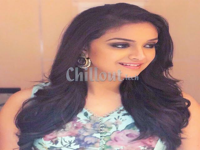 Keerthy suresh,chillout
