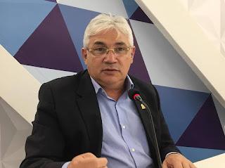 Prefeituras paraibanas já atrasam salários e gestores admitem exonerar servidores para garantir 13º
