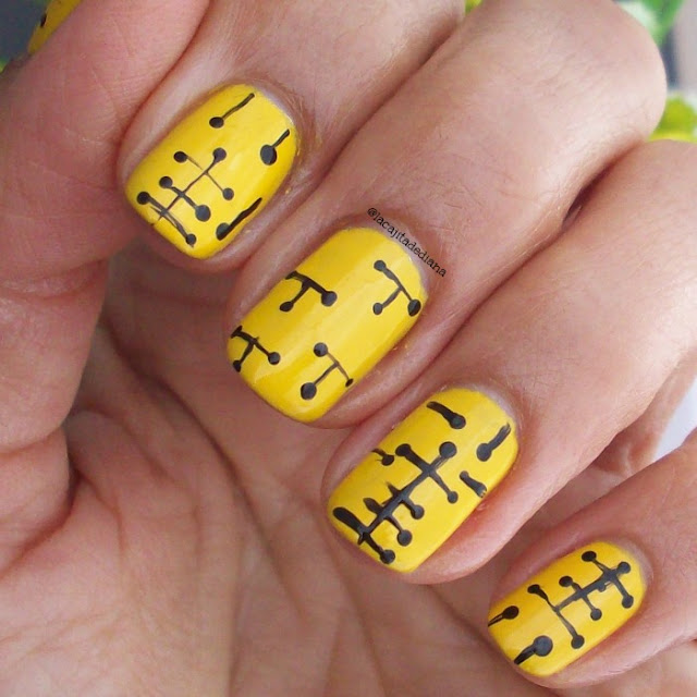 yellownails-linenailart
