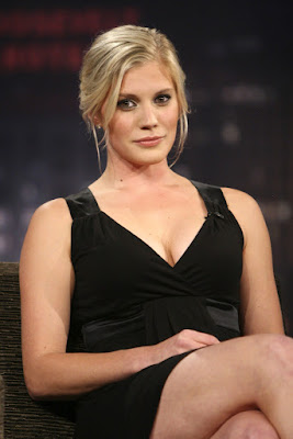 katee-sackhoff-doesnt-like-playing-hero