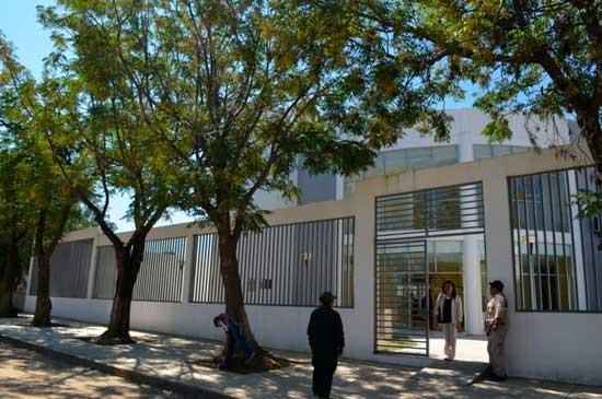 Universidad de Tarija recibe guardería para atención de 200 bebés, niños y niñas