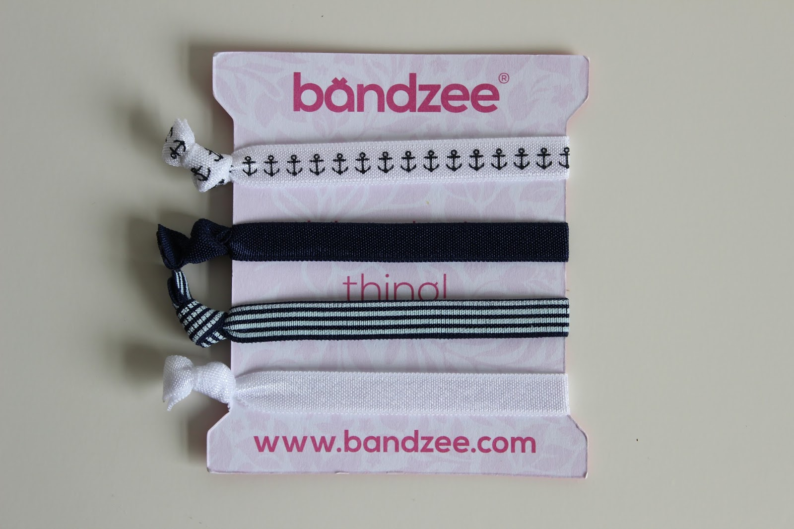 Bandzee Box is a new subscription box all about hair (made by the same  people as the amazing Pink Parcel) and I was so excited to hear all about  it. e5138166047