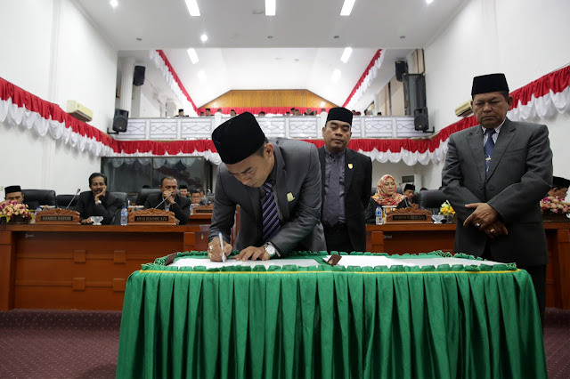 Dewan dan Pemko Banda Aceh Setujui 25 Raqan 2017