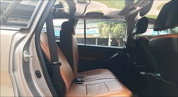 Nội thất Toyota 2.0E MT 2017 đã qua sử dụng màu Đồng