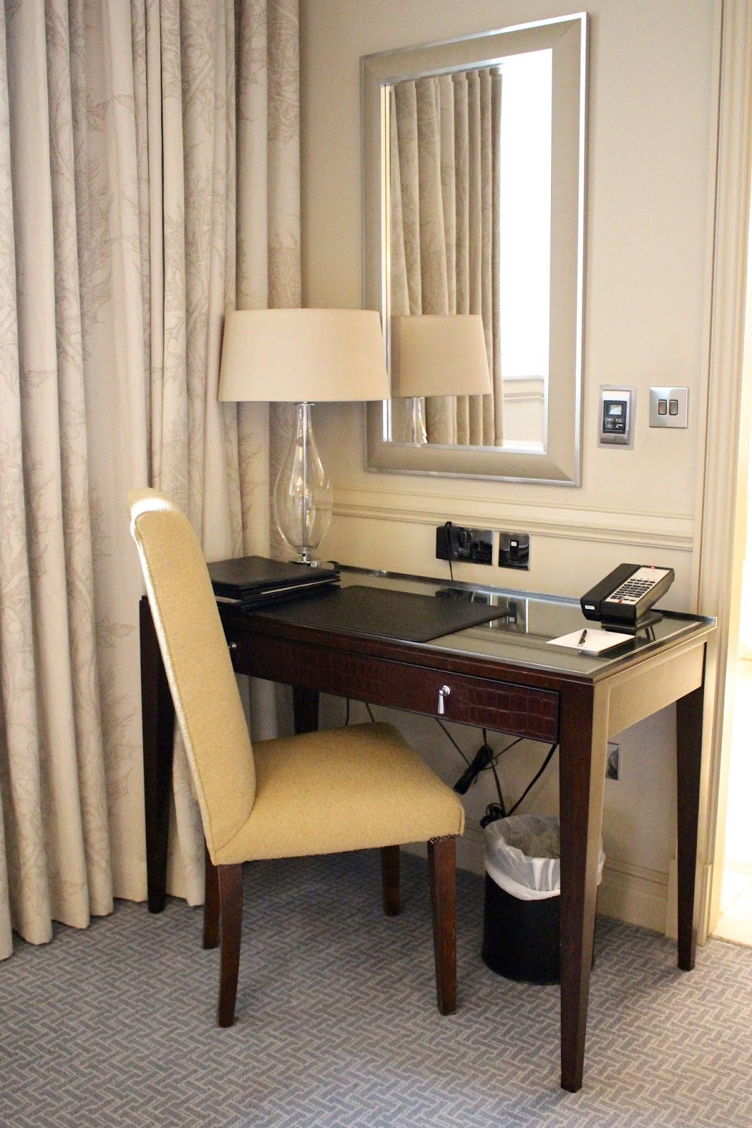 waldorf astoria edinburgh premium desk area