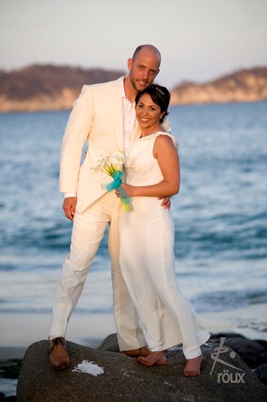 Traje novio para boda playa