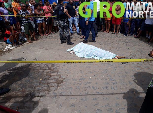 Jovem é assassinado na feira livre de Carpina