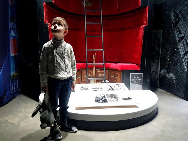 Space Adventure Polska - Wrocław - Hala Stulecia - kosmiczna wystawa pod patronatem NASA - podróże z dzieckiem - czas z rodziną - Dolny Śląsk z dzieckiem