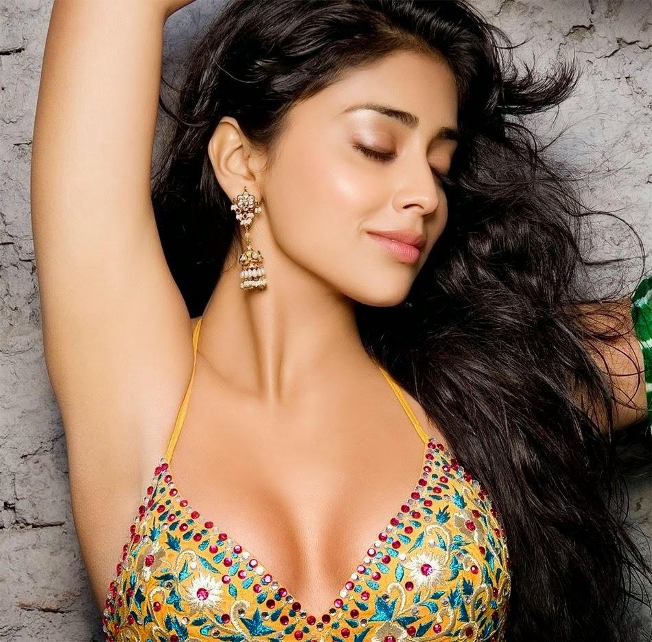 shriya-saran-hot-jasmine-waltz-nudes