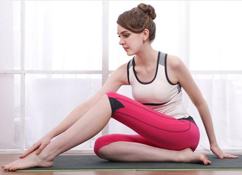 gambar model baju senam yoga