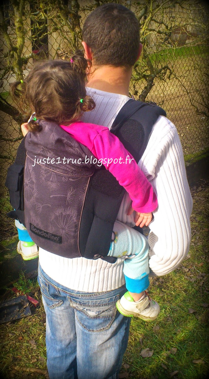 portage bondolino porte-bébé préformé hybride Hoppediz halfbuckle bambin babywearing