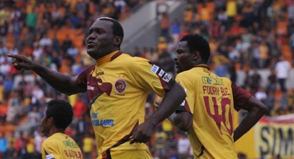 Fans Sriwijaya FC: Mendingan Gonzales Daripada Dzumafo