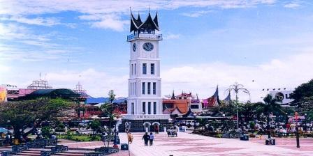 Jam Gadang, Menara Jam Raksasa di Kota Bukit Tinggi