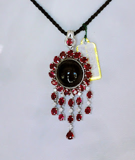 Ruby jewelry shop at Bogyoke Market