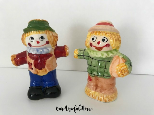 vintage scarecrow couple salt and pepper shaker set autumn seasonal tableware