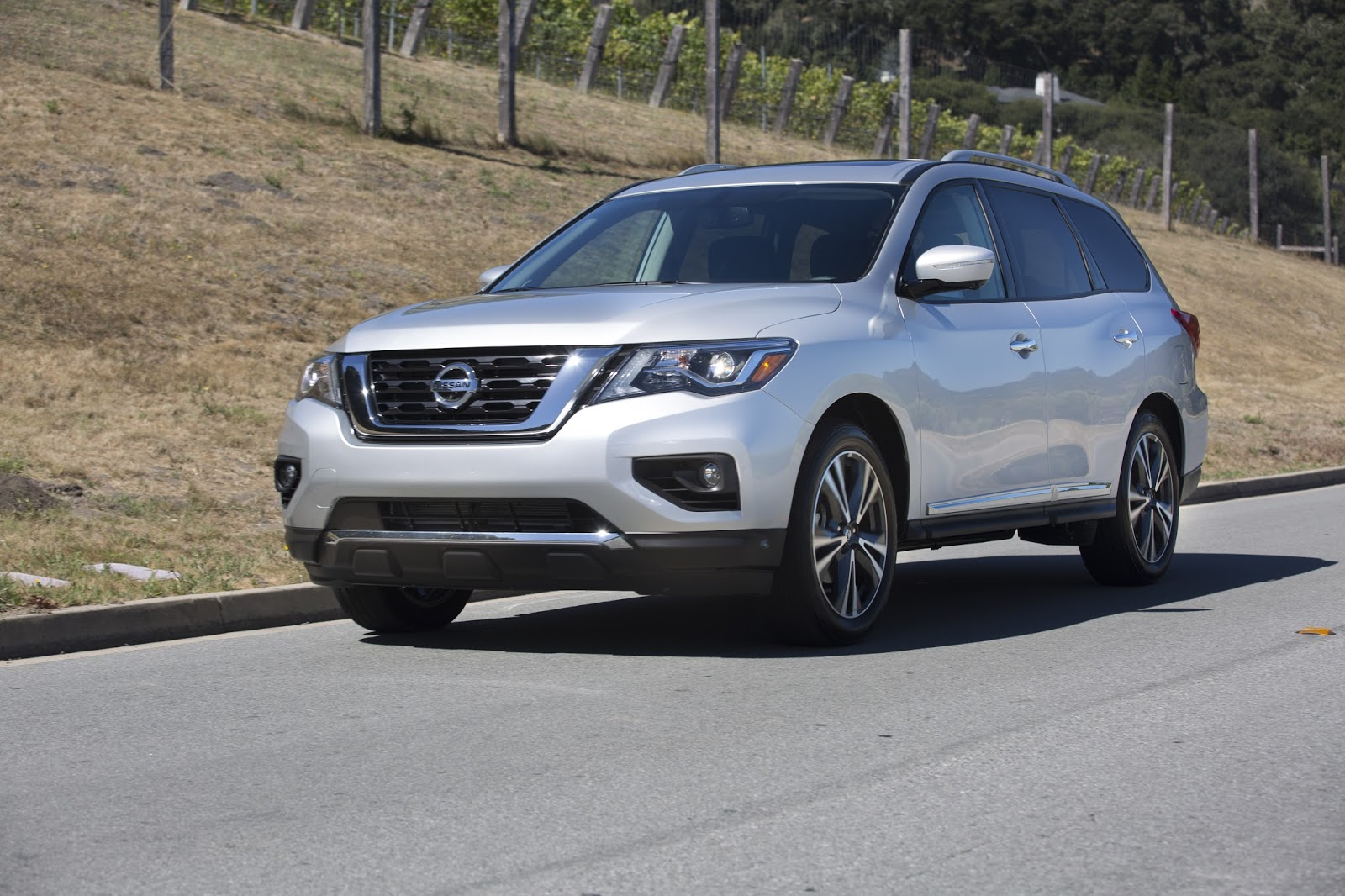 Autoglo pathfinder road trip warrior gets better with age for Nissan armada vs honda pilot