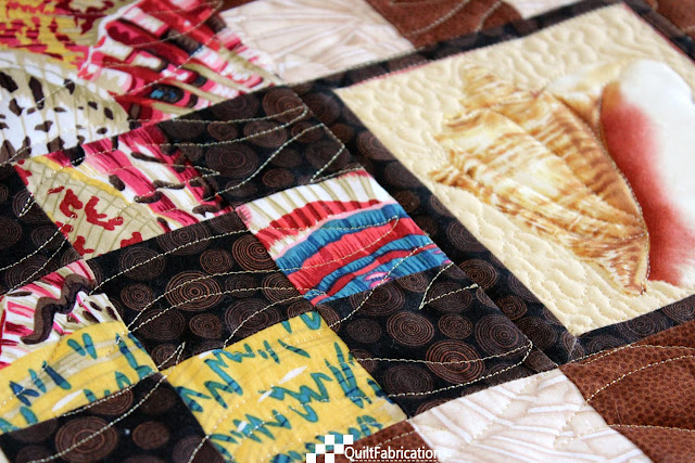 pantograph plus custom quilting detail closeup