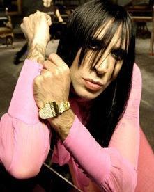 Foto de Mario Vaquerizo con cabello laciado