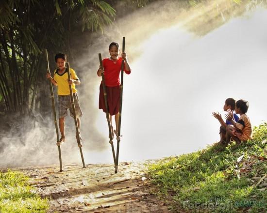 Permainan Egrang Tradisional Jawa Tengah Wisata Dan Kuliner