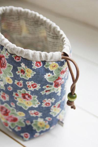 Knitting Project Bags To Sew : Reversible drawstring bag tutorial diy ideas