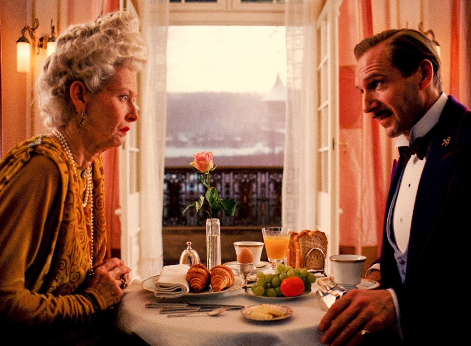 the grand budapest hotel-tilda swinton-ralph fiennes