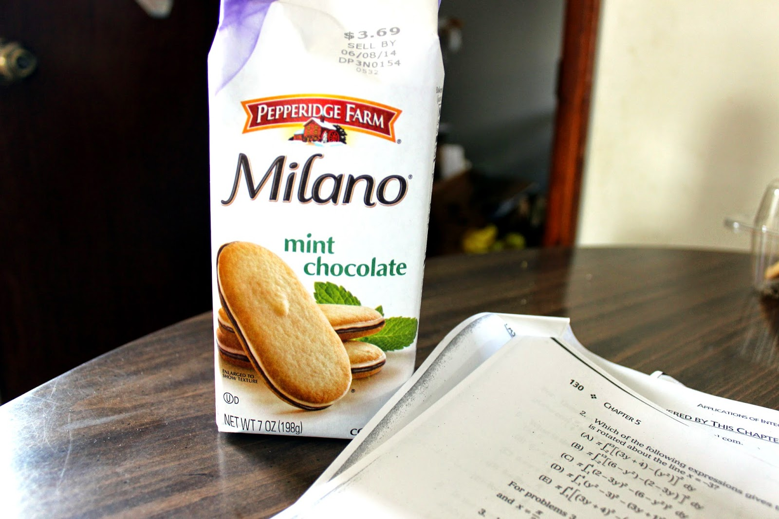 milano mint chocolate cookie
